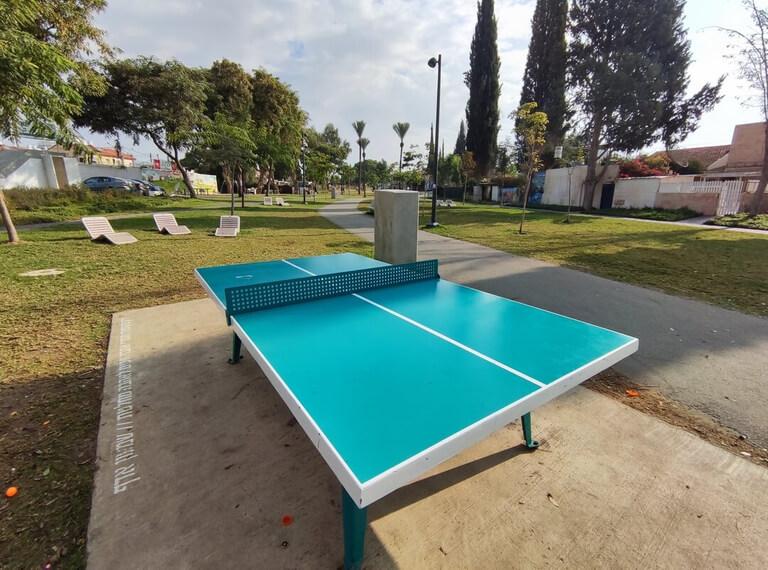 La table de ping-pong du Parc HaSofrim de Be'er-Sheva