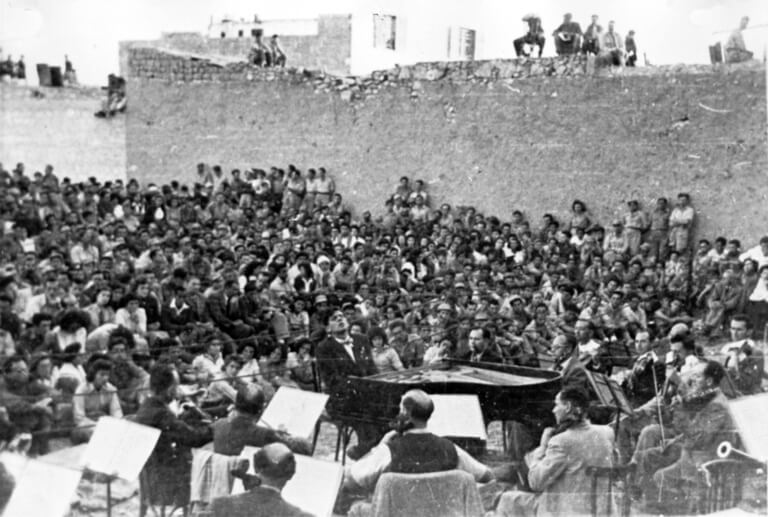 L'Orchestre Philharmonique d'Israël à Be'er-Sheva en 1948