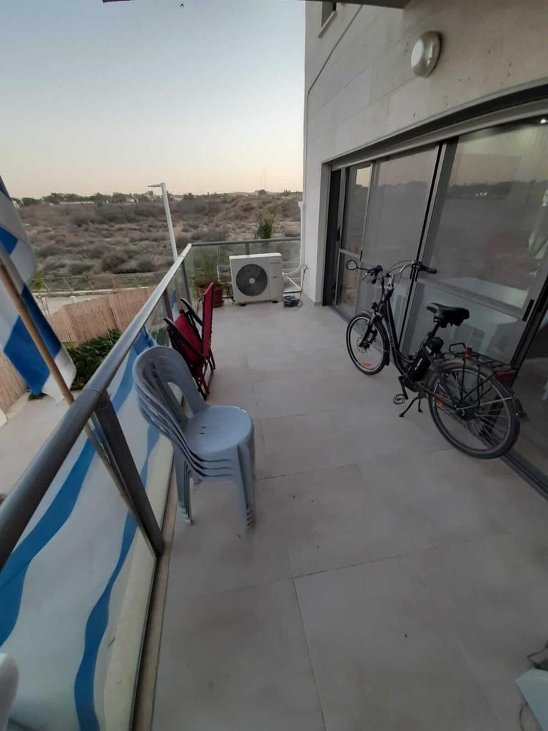 Terrasse au rez-de-chaussée - Neve Noy, Be'er-Sheva, Israël