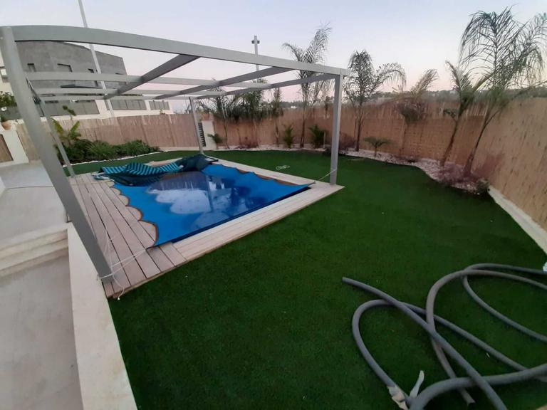 Jardin et la piscine - Neve Noy, Be'er-Sheva, Israël