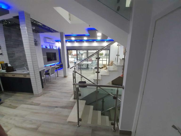 Salon vue de l'entrée - Neve Noy, Be'er-Sheva, Israël