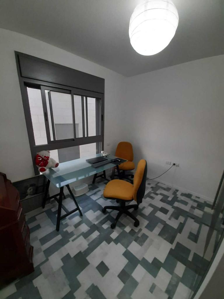 Pièce transformée en bureau/dressing - Neve Noy, Be'er-Sheva, Israël