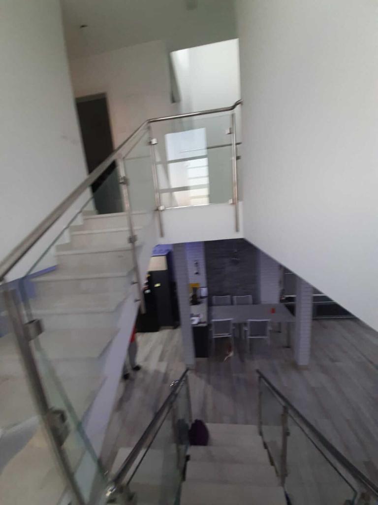 Vue sur l'escalier du premier étage - Neve Noy, Be'er-Sheva, Israël