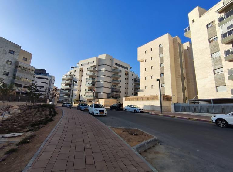 Immeubles à l'entrée de Ramot Bet (HaRehes) de Be'er-Sheva, Israël