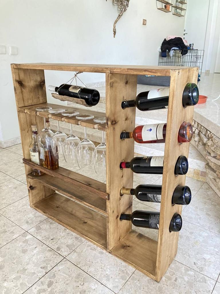 Armoire à vin en bois